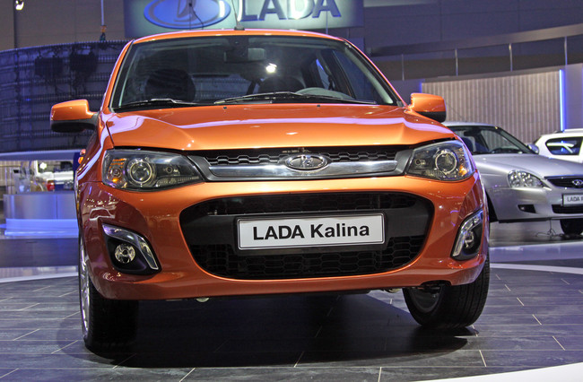 http://www.carsapa.ru/files/images/article/autorussia/2012_08_29_new_design_of_the_old_kalina/lada_kalina_new_2013_03.jpg
