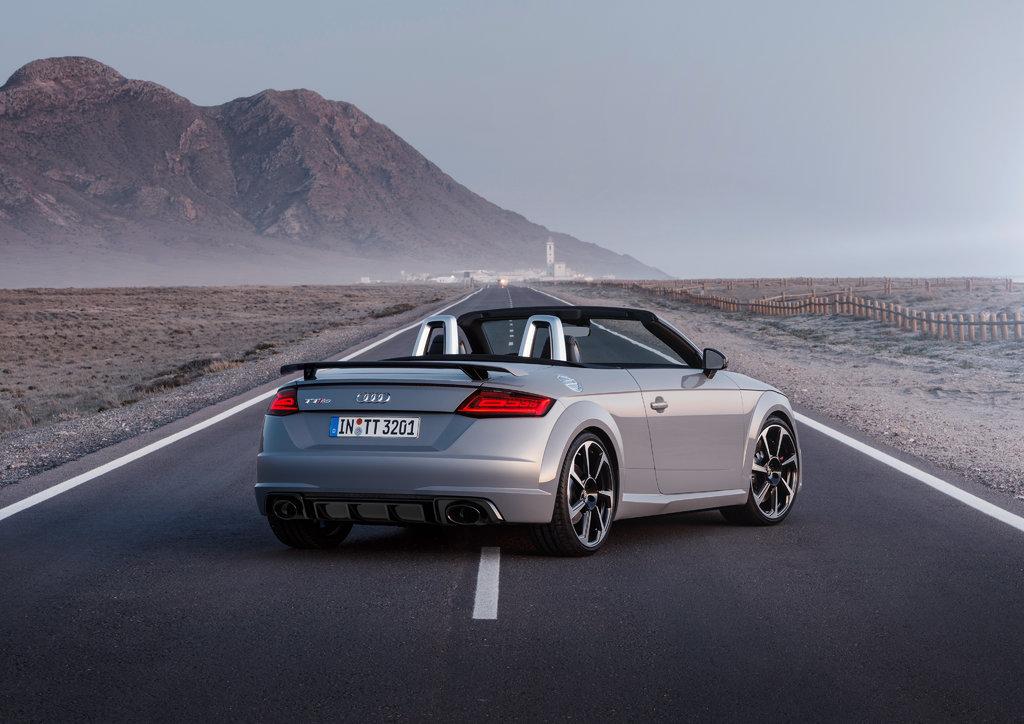 Комплектации, цены на Audi TT RS Открытый кузов 2017/Ауди ... Машины Будущего Ауди