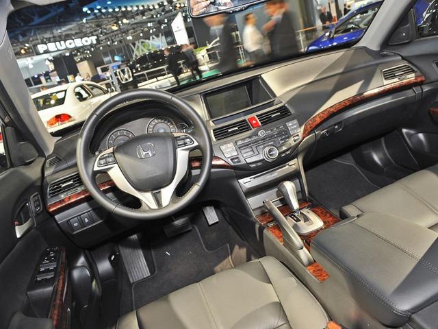 Хонда кросстур 2013 фото