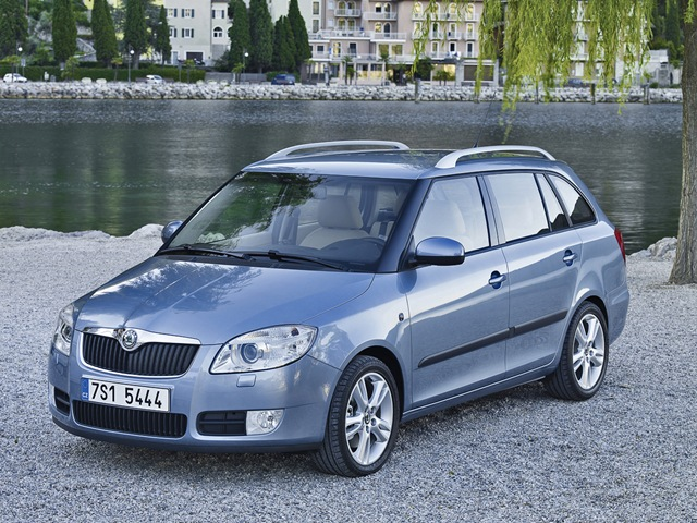 skoda fabia combi 2014. Black Bedroom Furniture Sets. Home Design Ideas